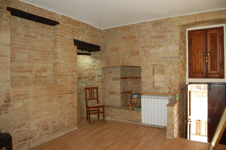 Appartamento in vendita a spello subasio for Appartamenti ristrutturati