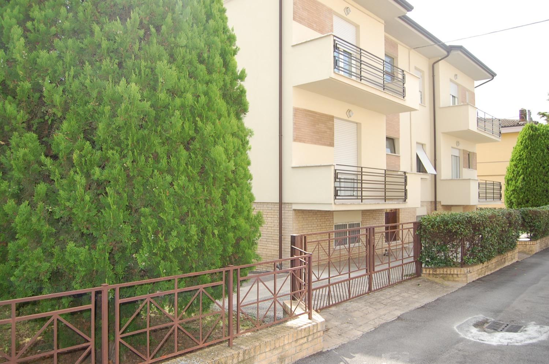 vendita villetta spello, bifamiliare spello, villa con giardino spello, appartamento in vendita spello, casa in vendita spello,